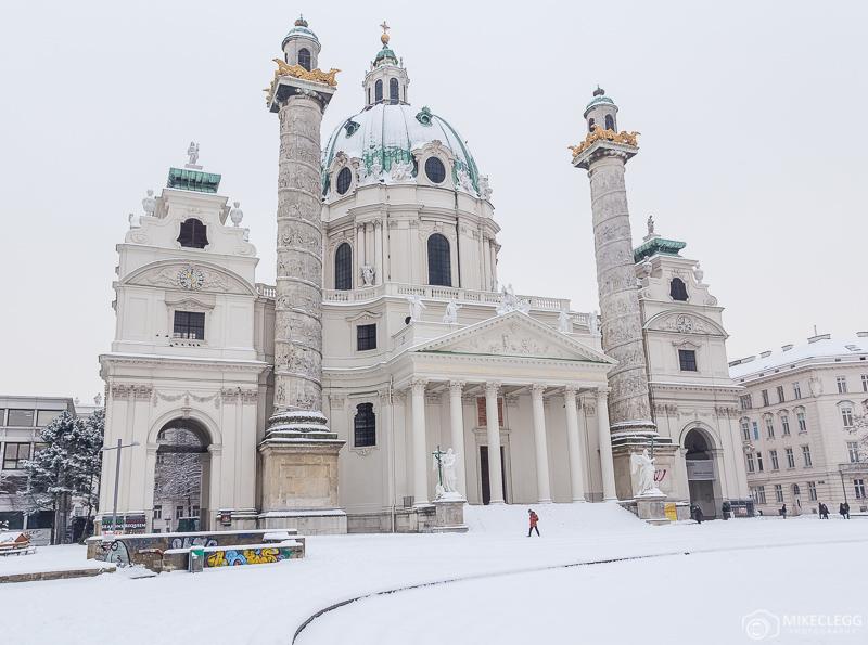 Karlskirche no inverno