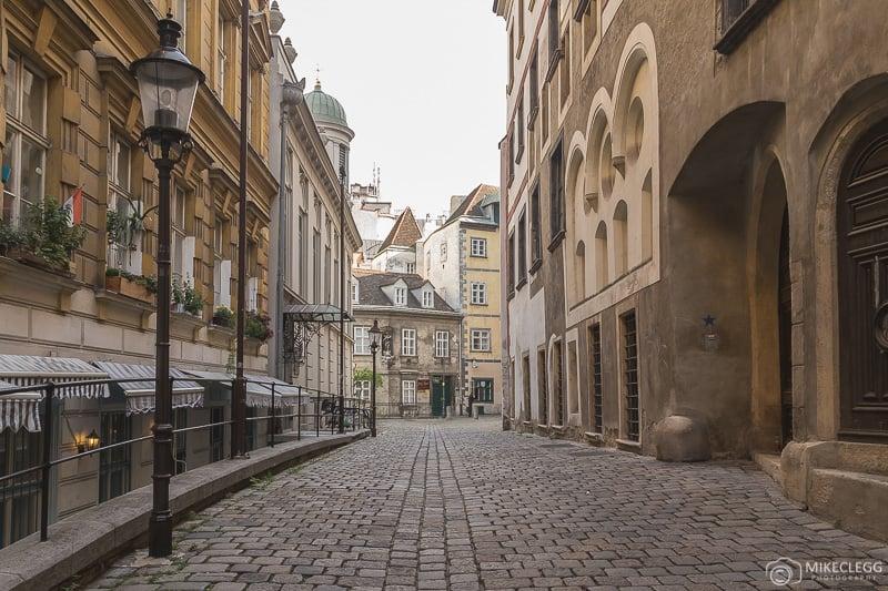 Ruas de paralelepípedos em Viena Innere Stadt