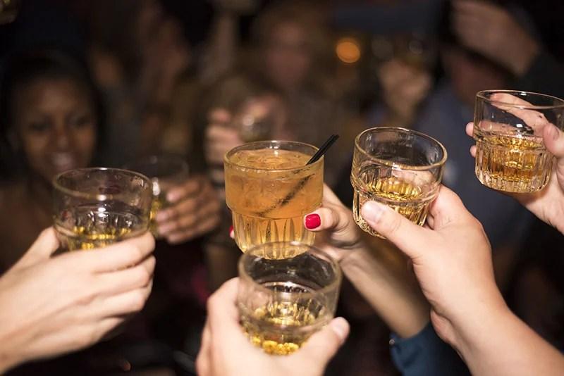 Beber e festejar - CC0 (Pixabay)