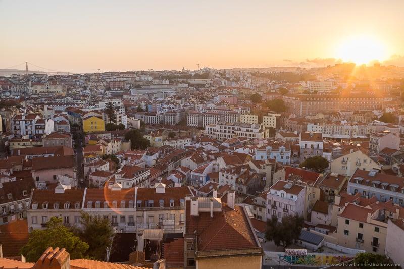 Horizonte e pôr do sol de Lisboa