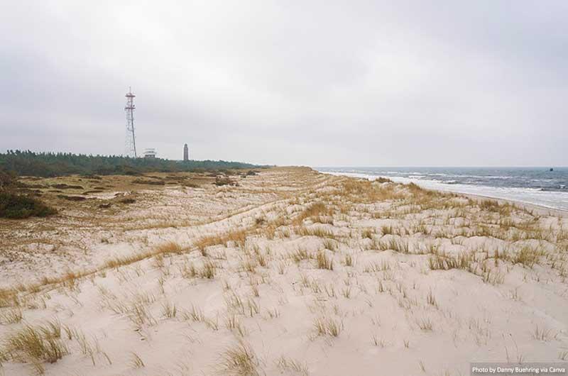 Praia no Parque Nacional Vorpommersche Boddenlandschaft