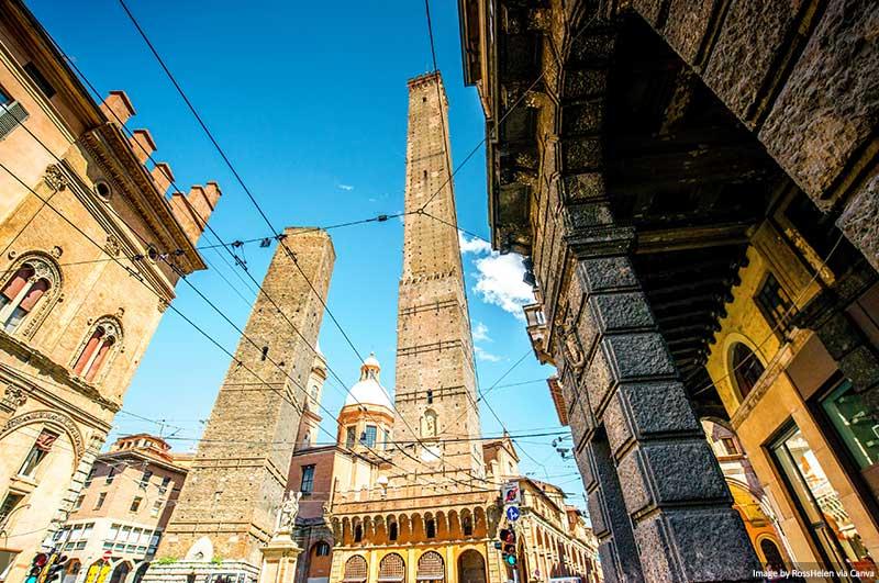 Duas torres em Bolonha