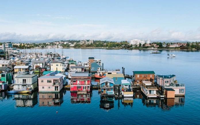 Best Countries for Solo Travelers - Canada