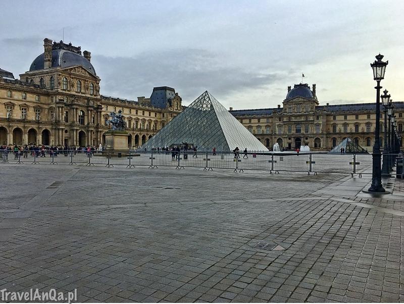 Paryż, Luwr