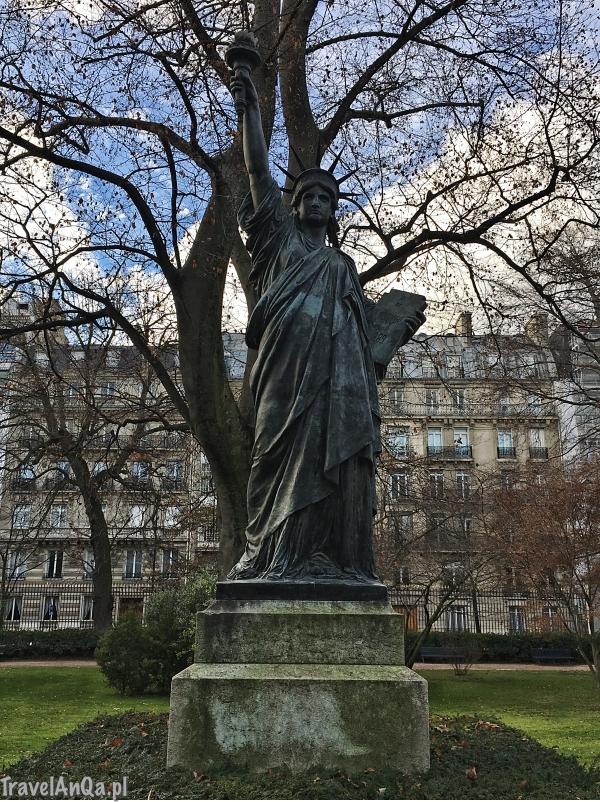 Paryż, Ogrody Luksemburskie, Statua Wolności