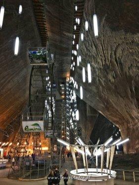 Główna sala wkopalni soli wTurdzie wRumunii