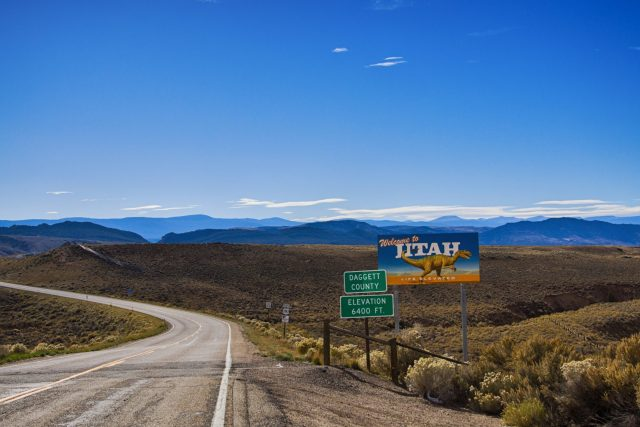 Utah country roads: Utah Welcome Sign