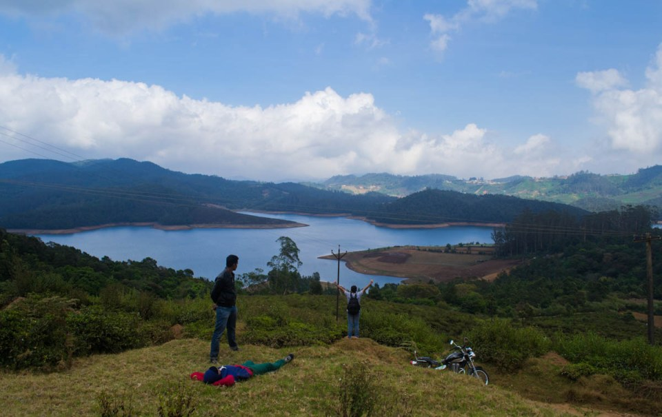 Vantage viewpoint overlooking Avalanche lake Ooty