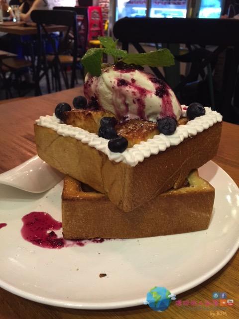 藍莓厚多士配雪糕