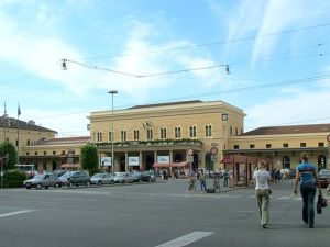 Photo of the front of Station Centrale in Bologna