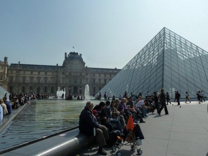 Louvre Pyramid (Pyramide du Louvre), Paris, France