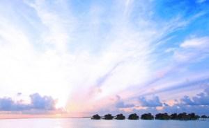 Water_Villa_Sunset-920x570