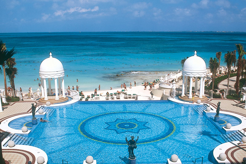 Hotel RIU Palace Las Americas Travel By Bob