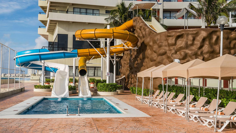 Crown Paradise Club Cancun Travel By Bob
