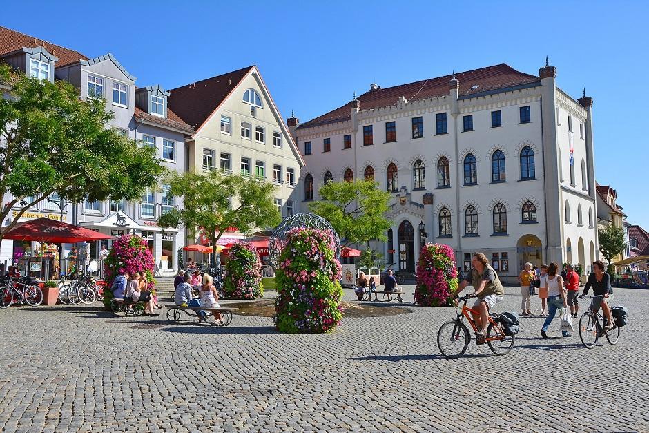 4Waren-Mueritz-Neuer-Markt-03_HG_FotografinHeidi-Goerltklein