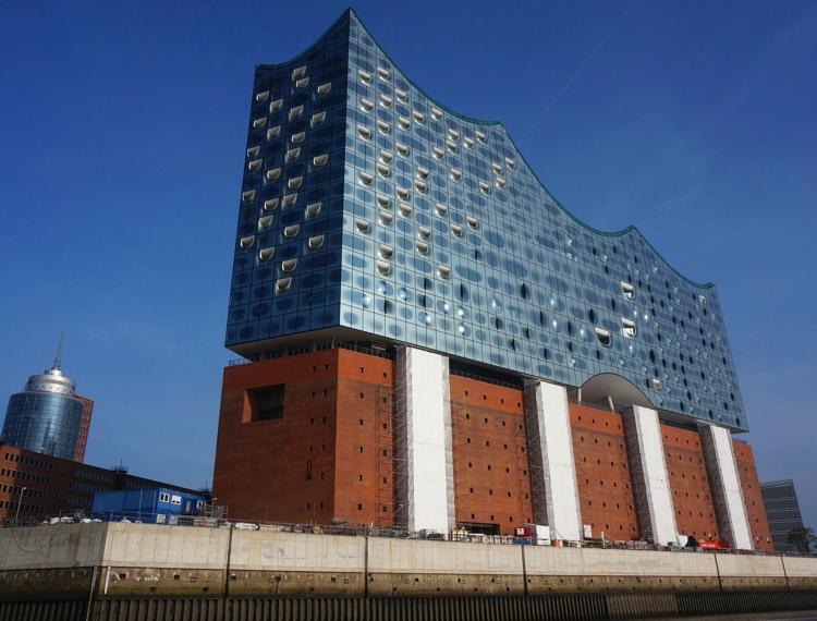 Hamburg-Sehenswuerdigkeiten-Elbphilharmonie