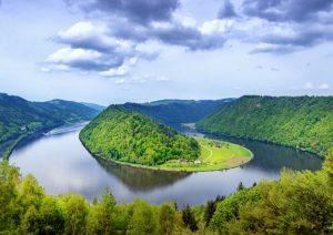 Bei einer Radreise unberührte Natur entdecken - Foto: Boris Stroujko/Shutterstock.com