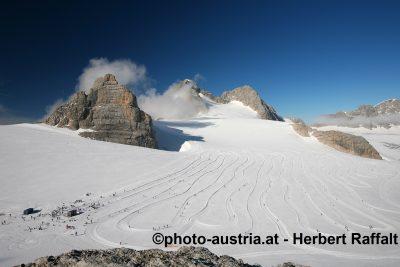 Ramsau Foto2010 Raffalt (76) Blick von Gjadstein über Gletscher auf Dachstein (1)