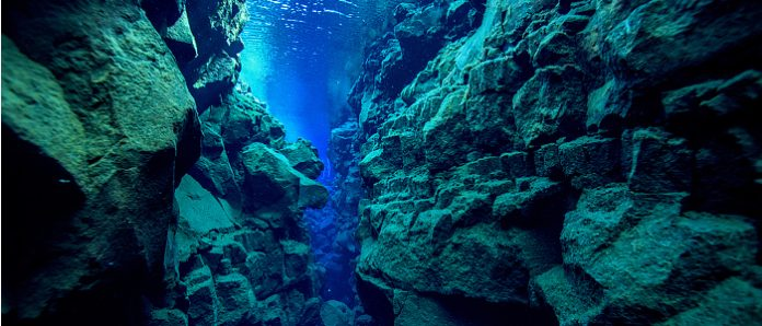 Thingvellir National-park Silfra Spalte