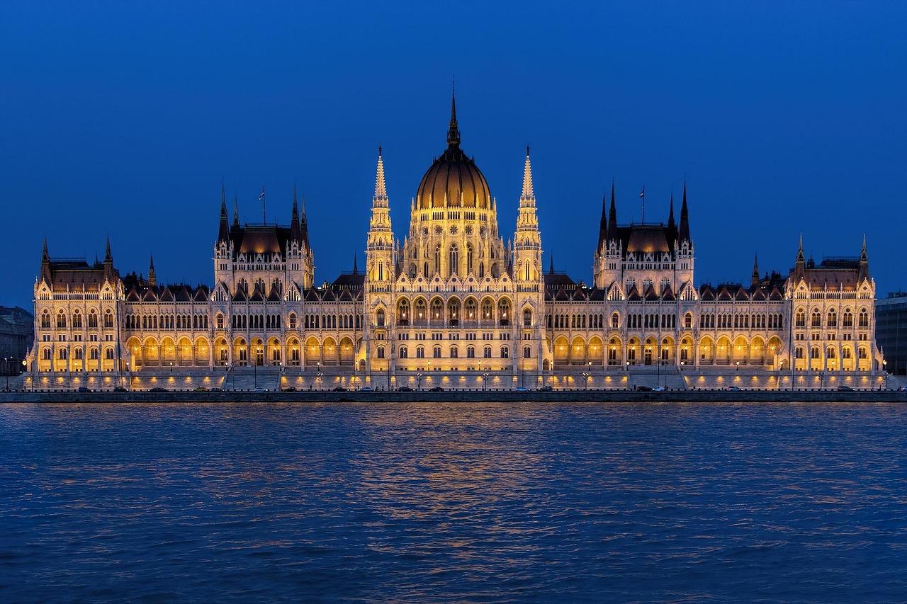 Parlamentsgebäude Budapest. Top 10 Budapest Sehenswürdigkeieten.