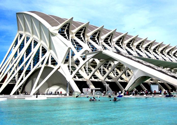 Ein Blick auf die Stadt der Künste und Wissenschaften