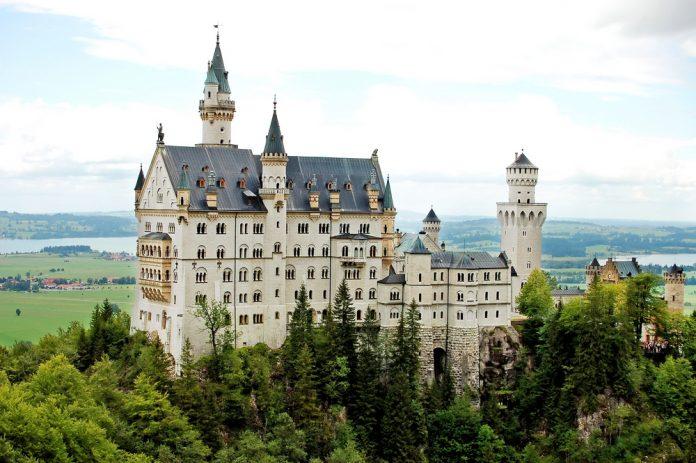 Top 10 Sehenswürdigkeiten Deutschland. Schloss Neuschwanstein