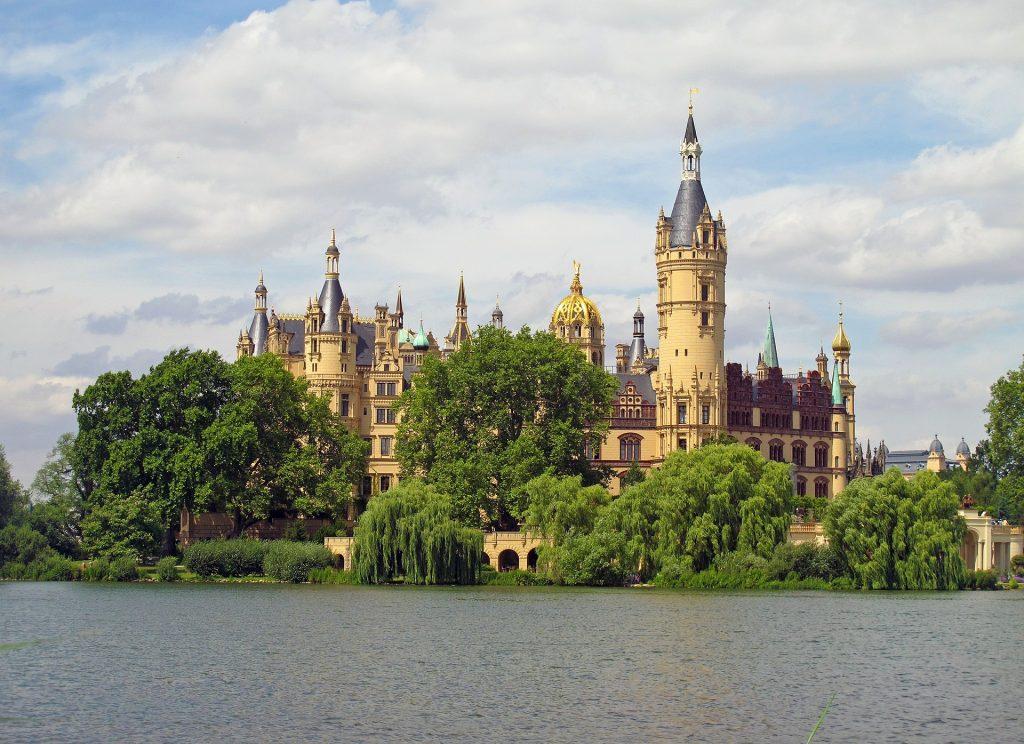 Top 10 Sehenswuerdigkeiten Deutschland. Schweriner Schloss