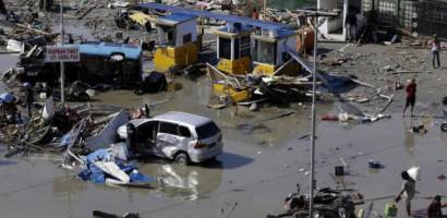 Niepokojące wieści napływają z Indonezji, wielu zabitych, zniszczone domy, szpitale, hotele i drogi