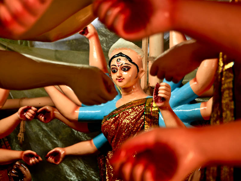 Making Of Durga Idols in C R Park, Delhi : A Celebrated Tradition