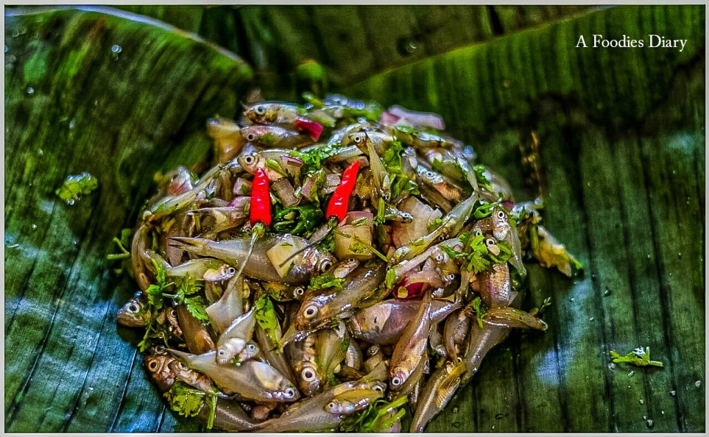 Authentic Assamese Food: Patot diya maas(Steamed small fishes wrapped in banana leaves)