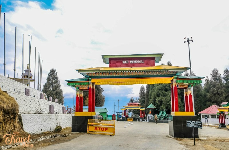 People generally miss visiting the Welcome gate of war memorial which is one of the Offbeat experiences in Tawang, Arunachal Pradesh