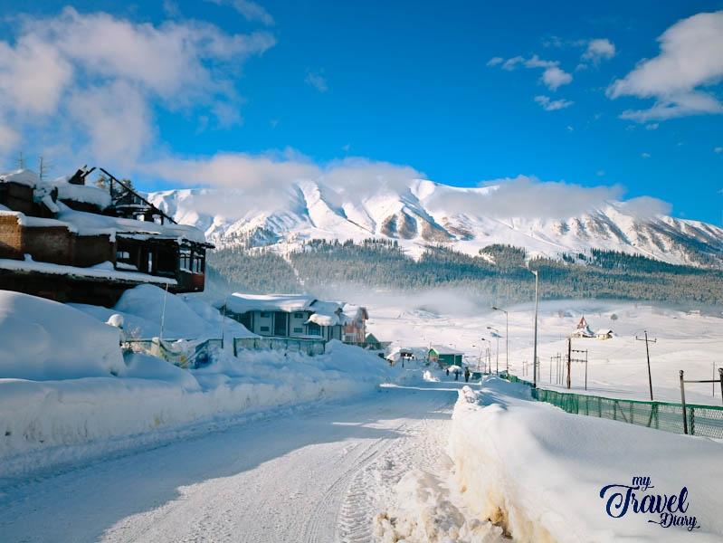Spectacular Snowy Gulmarg in winter