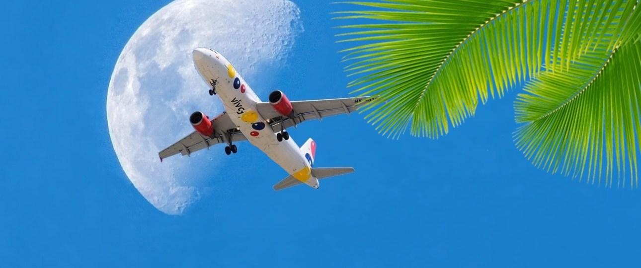 traveldinoworld_plane_sky