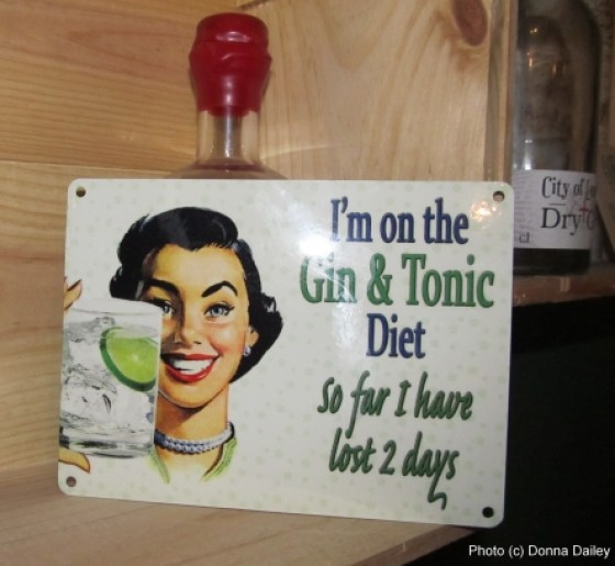 City_of_London_Distillery_Gin_and_Tonic_Diet_sign