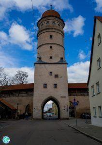 Torre y puerta de la ciudad de Nördlingen