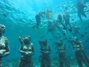 free diving di area patung Gili Meno