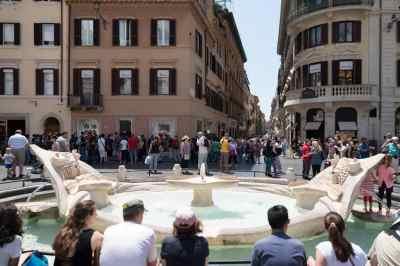 Fontana della Barcaccia Spanish steps