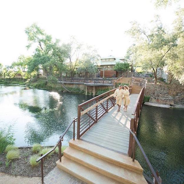best_outdoor_honeymoons-7.jpg