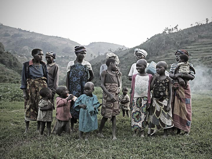 Travelers Link Africa Safaris Cultural Tours and Safaris - Uganda Pygmies