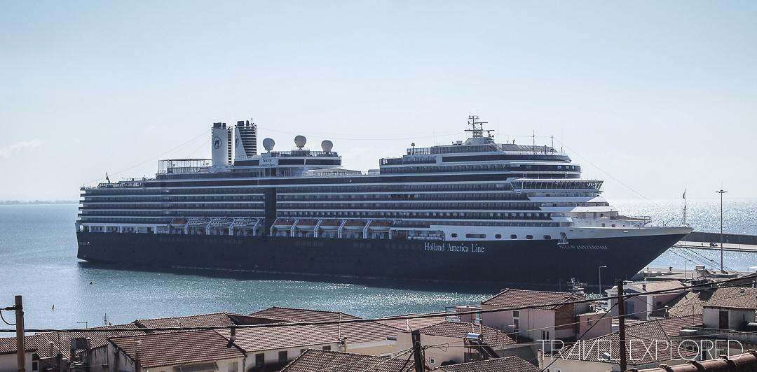 MS Nieuw Amsterdam in port Katakolo