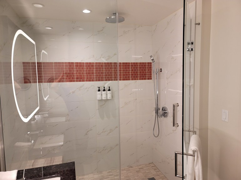 conrad las vegas shower