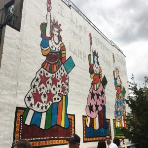 Street Art and other things to see along the High Line Park - Travel for a Living