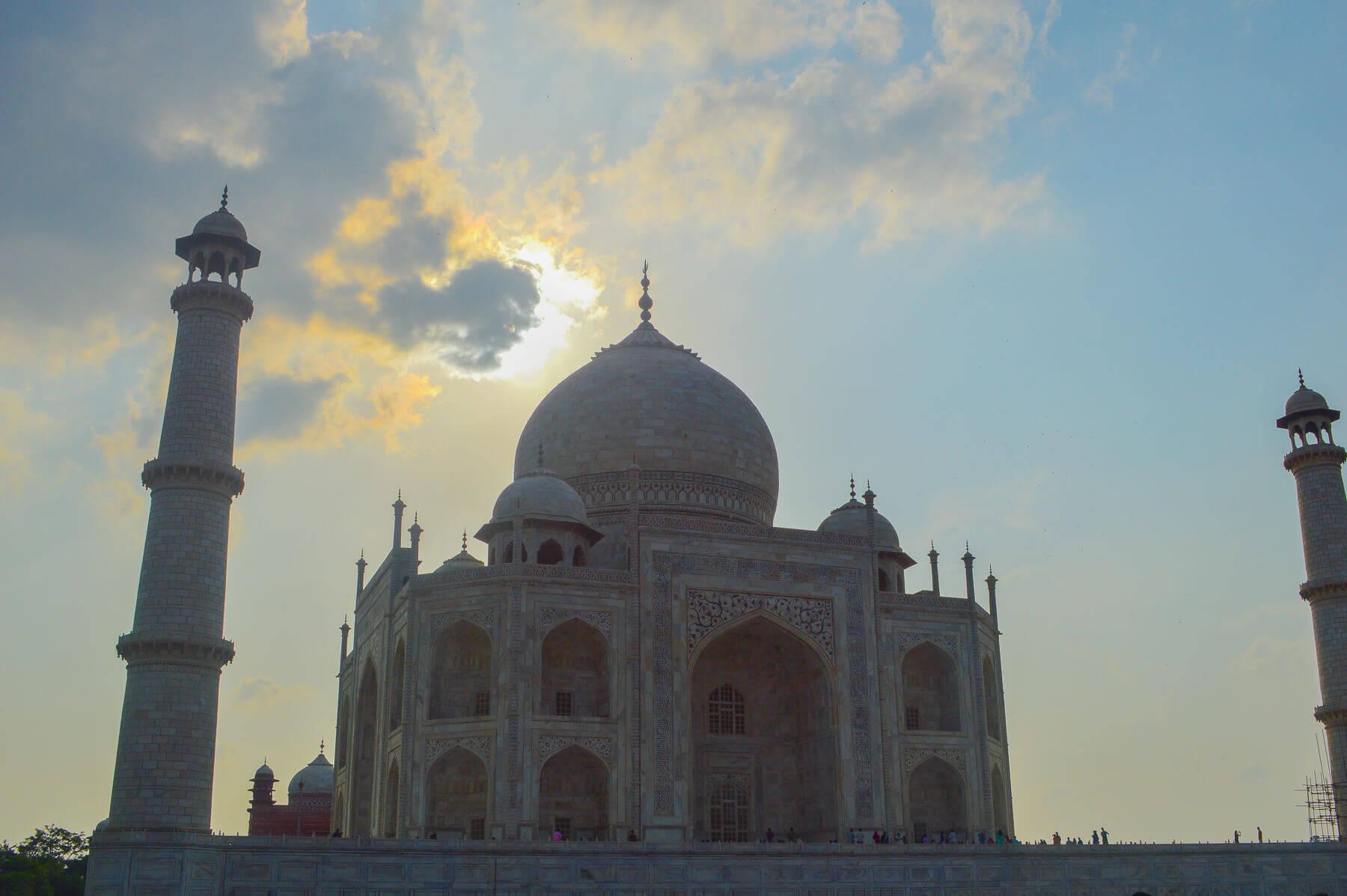 Sunset behind the Taj Mahal