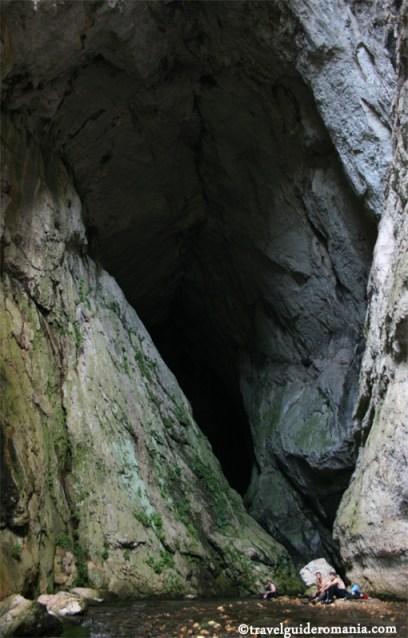 travel guide romania- Sura Mare Cave