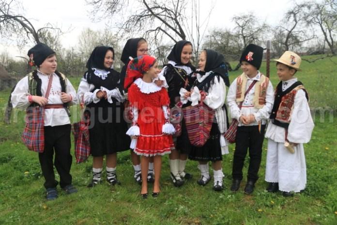 Costume traditionale romanesti - datini