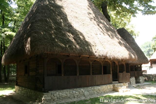 Casa traditionala din zona Transilvaniei