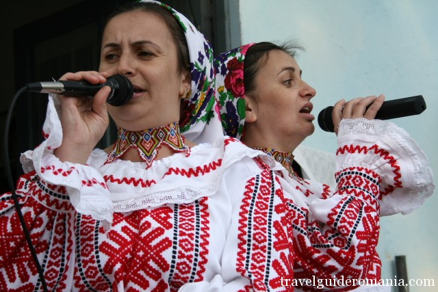 folklore singers from Romania