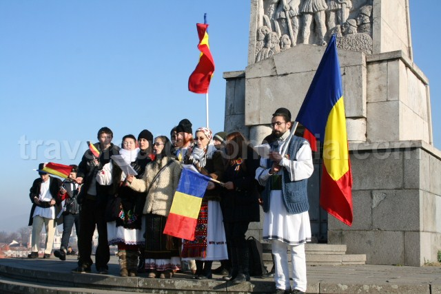 traditional outfits from different parts of Romania