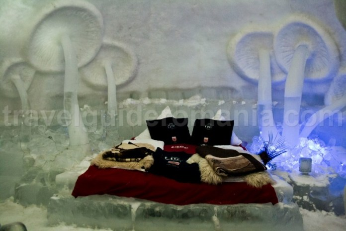 Decoration of a room at Balea Lac Ice Hotel