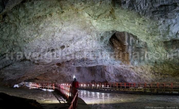 Sala Mare - Pestera Ghetarul de la Scarisoara